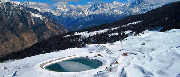 Auli - situated at an altitude of 2,505 metres, in close proximity to the snow-covered Himalayan peaks such as Nanda Devi, Mana Parvat and Kamat - is a fragile ecology, blanketed with thick snow for most parts of the year.​